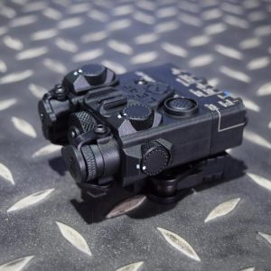DBAL-A2 Style 雷射指示器 LED照明+綠雷射 強化塑膠外殼 黑色