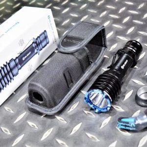 Olight Warrior X PRO 武士 2100 流明 戰術手電筒 USB充電器 黑色 OL-48